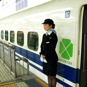 Bullet_train_Hikari_2