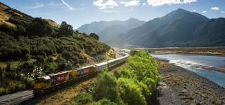 New Zealand TranzAlpine Waimakariri River Westbound